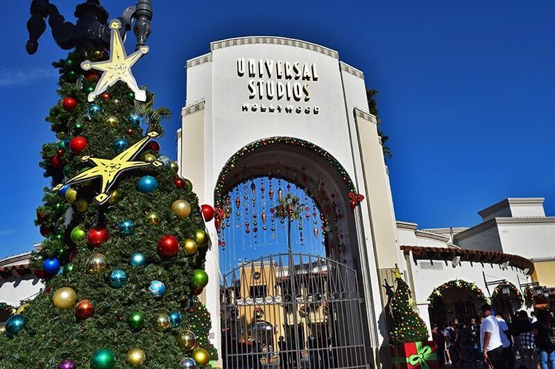 holidays at universal studios hollywood entrance - When Does Universal Studios Hollywood Decorate For Christmas