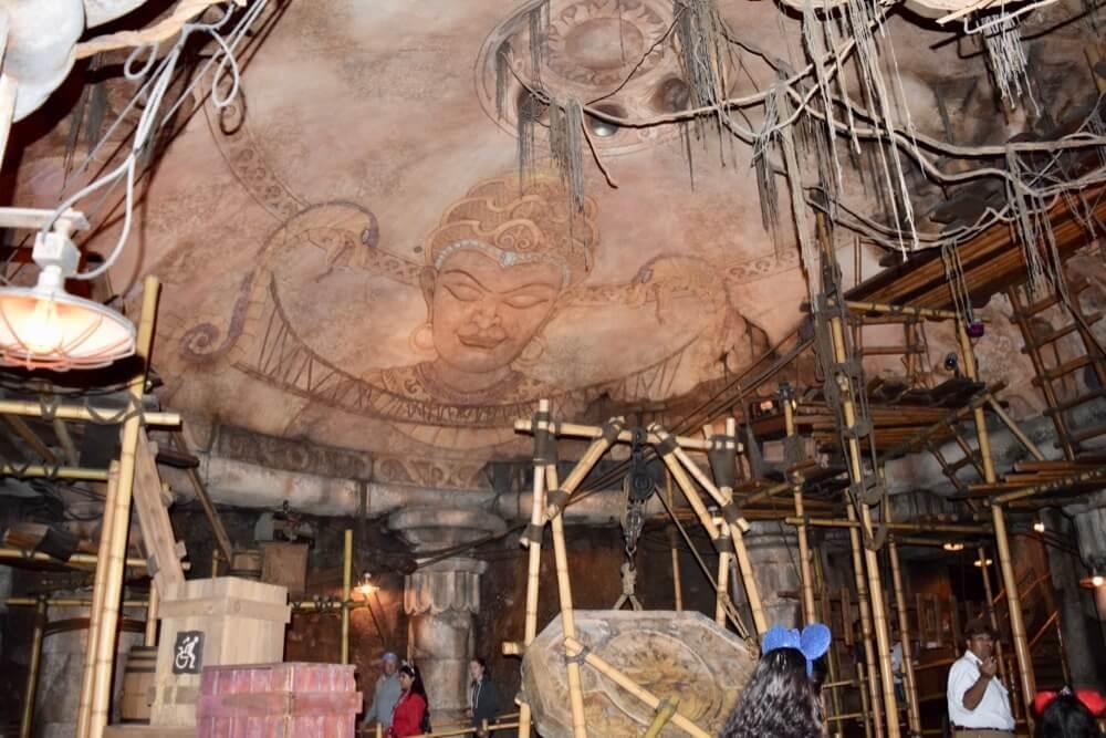 Best Queues at Disneyland - Indiana Jones Mara