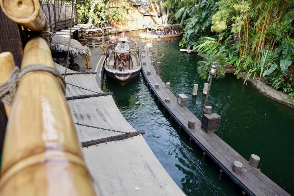 Best Queues at Disneyland - Jungle Cruise Upper Queue