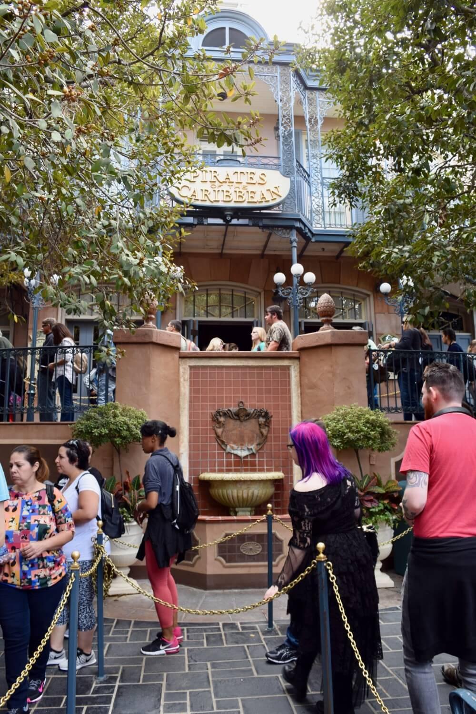 Best Queues at Disneyland - Pirates of the Caribbean Queue