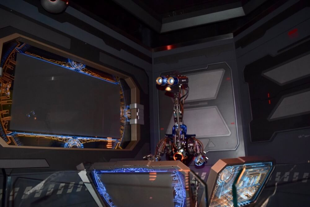 Best Queues at Disneyland - Star Tours Security Robot