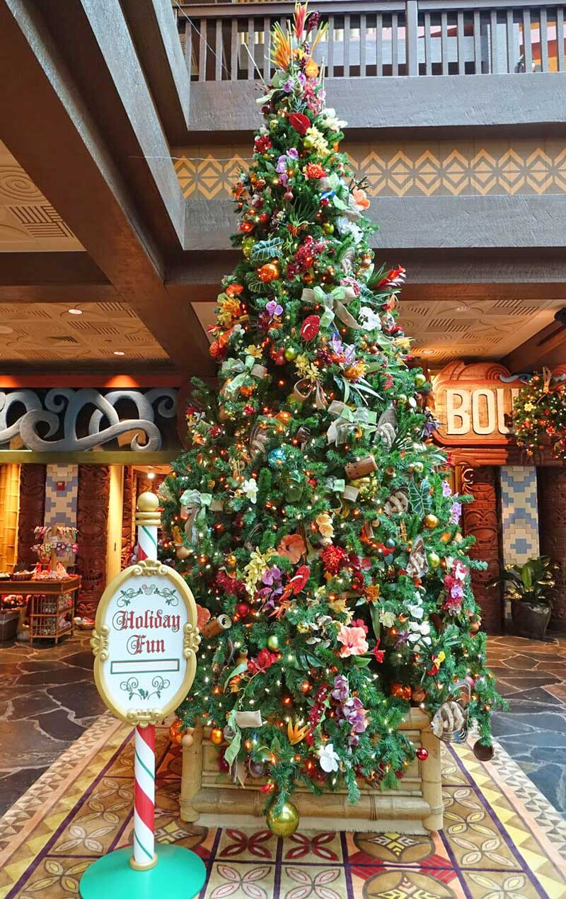 disneys polynesian village resort christmas tree disney world resort christmas decorations