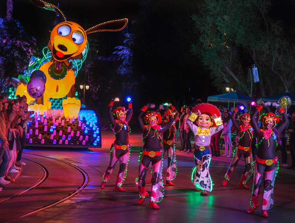Pixar Fest - Paint the Night Parade - Guide to Disneyland Events in 2018