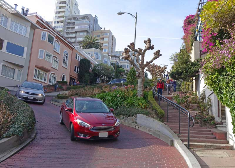Tips for Visiting San Francisco with Kids - Lombard Street