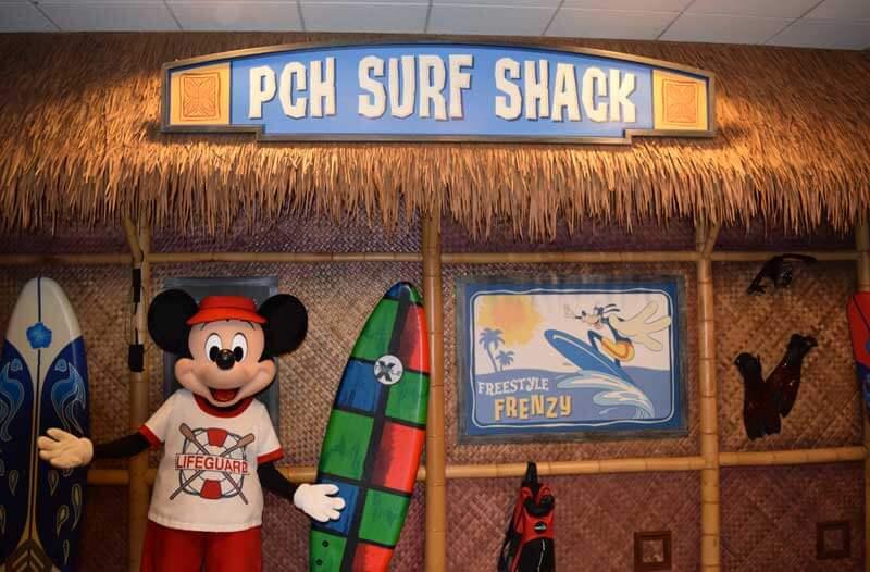Disneyland Character Dining - Mickey at Paradise Pier
