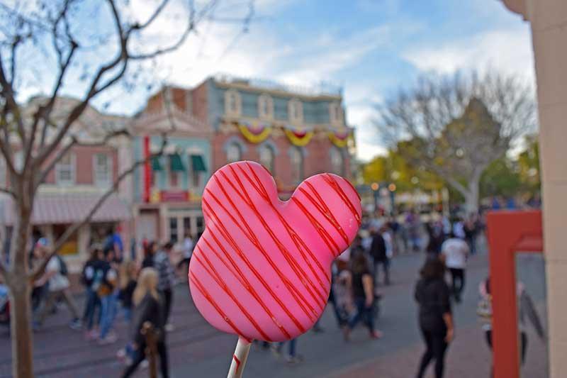 Romantic Things To Do at Disneyland - Valentine's Treats