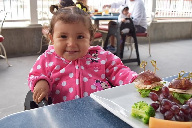 Guidelines for Healthy Eating at Disneyland - Cute Baby