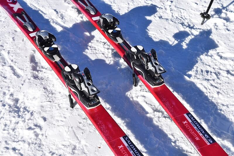 Tips for Flying with Skis - Skis in Snow