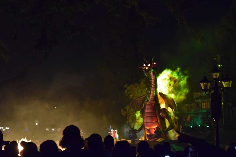 Scariest Rides at Disneyland - Fantasmic