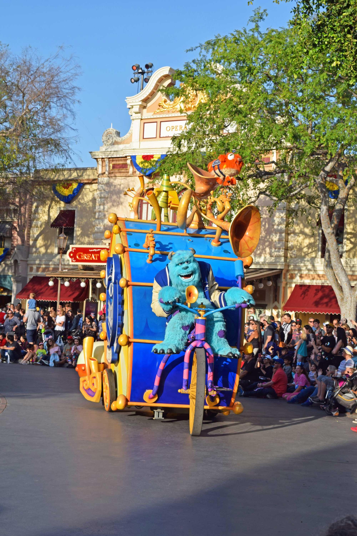 Pixar Play Parade - Disneyland Pixar Fest