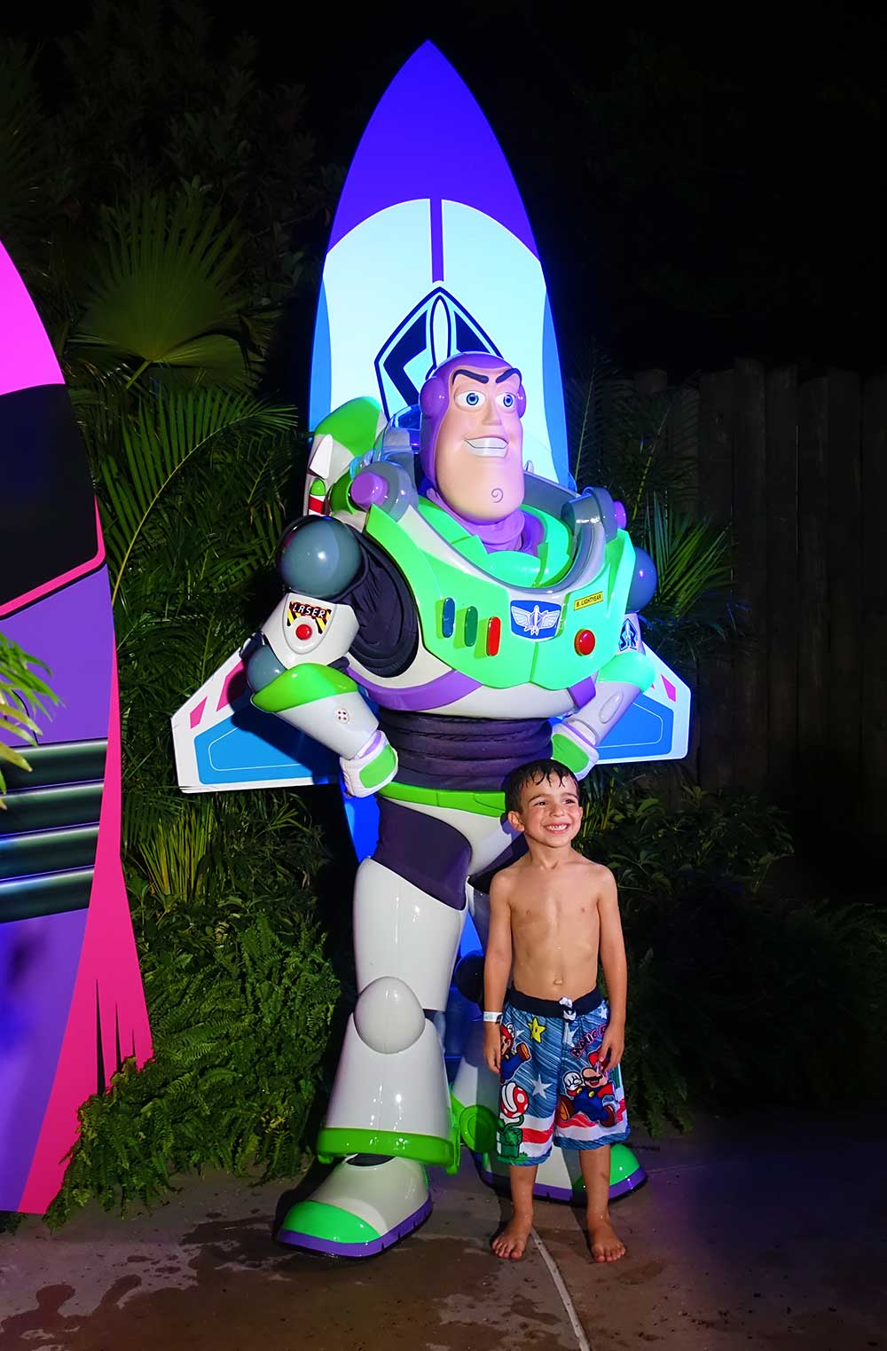 disney h2o glow nights - Buzz
