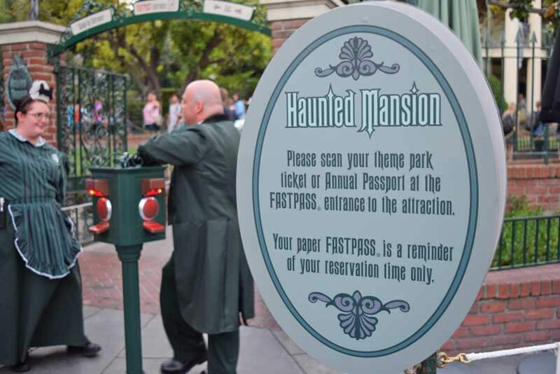Disneyland FASTPASS paper reminder - Haunted Mansion