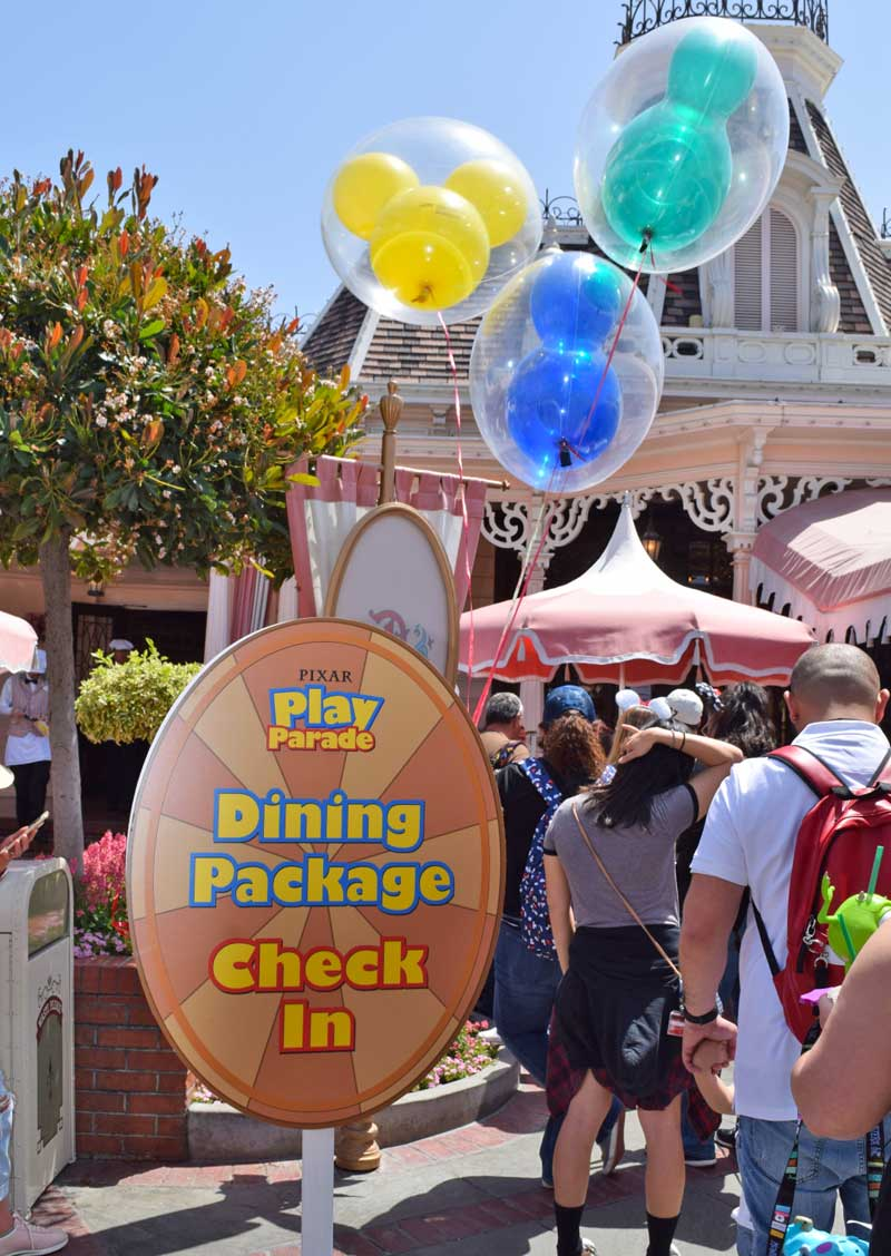 Best Spot to View Disneyland Pixar Play Parade - Dining Package CheckIn