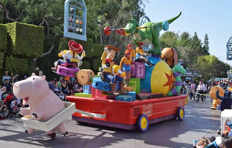 Best Spot to View Disneyland Pixar Play Parade - Toy Story Float
