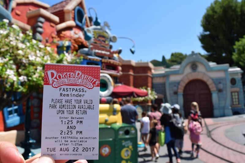 Roger Rabbit Cartoon Spin - Disneyland FASTPASS reminder