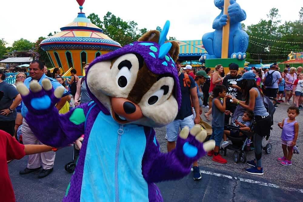 Incredible Summer Disney World - Chip