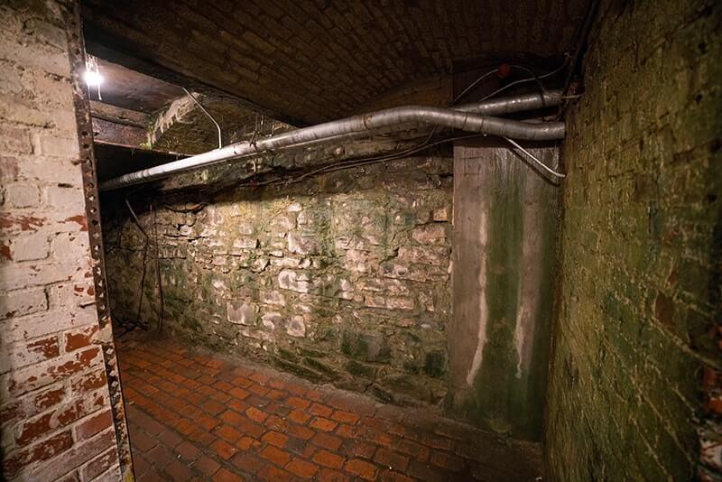 Top Things to Do in Seattle with Kids - Underground Tour