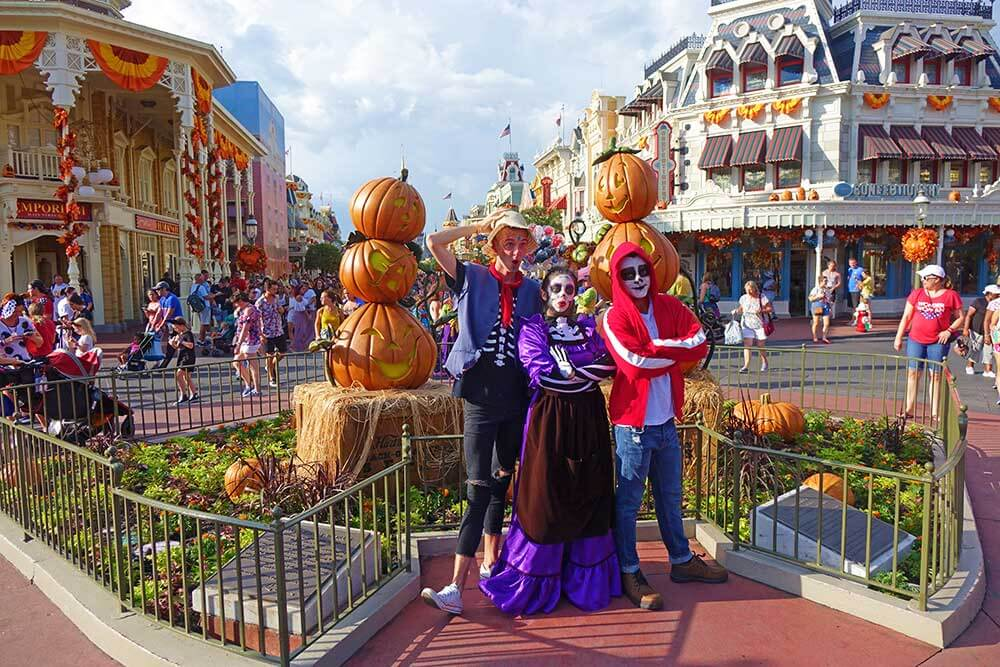 Mickey's Not So Scary Halloween Party 2018 - Coco Costumes