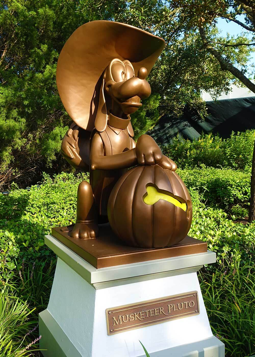 Mickey's Not So Scary Halloween Party 2018 - Pluto Statue