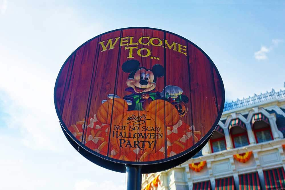 Mickey's Not So Scary Halloween Party 2018 - Welcome Sign