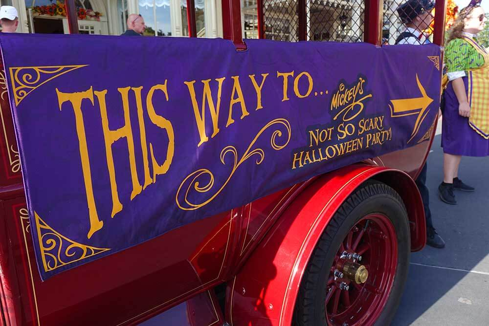 Mickey's Not So Scary Halloween Party 2018 - Entrance Truck