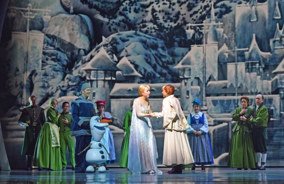 Using a Wheelchair at Disneyland - Frozen at Disney California Adventure