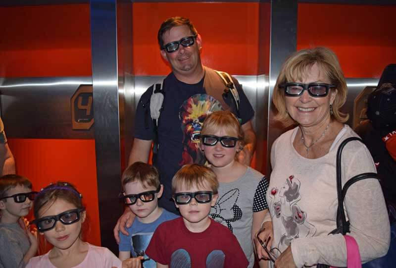 Disneyland Height Requirements - Family on Star Tours