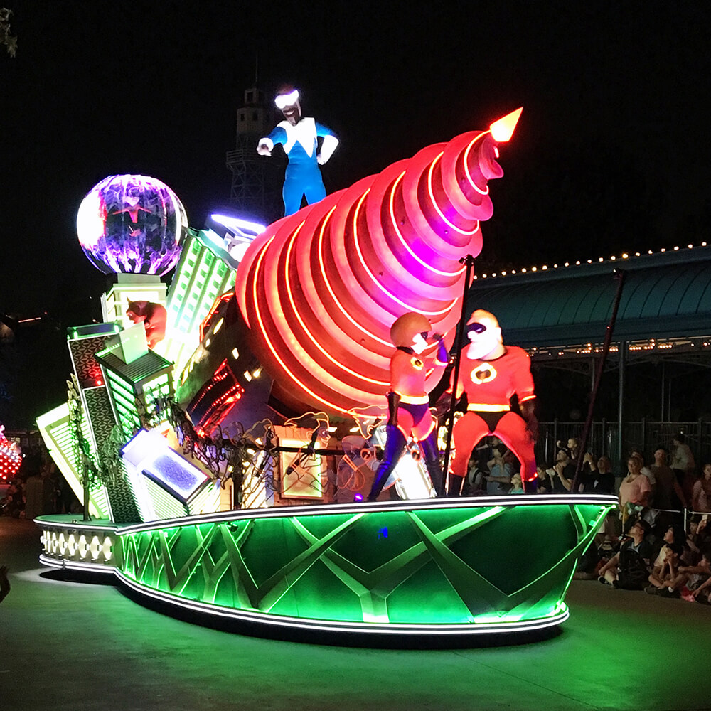 Best Viewing of Paint the Night Parade at Disney California Adventure