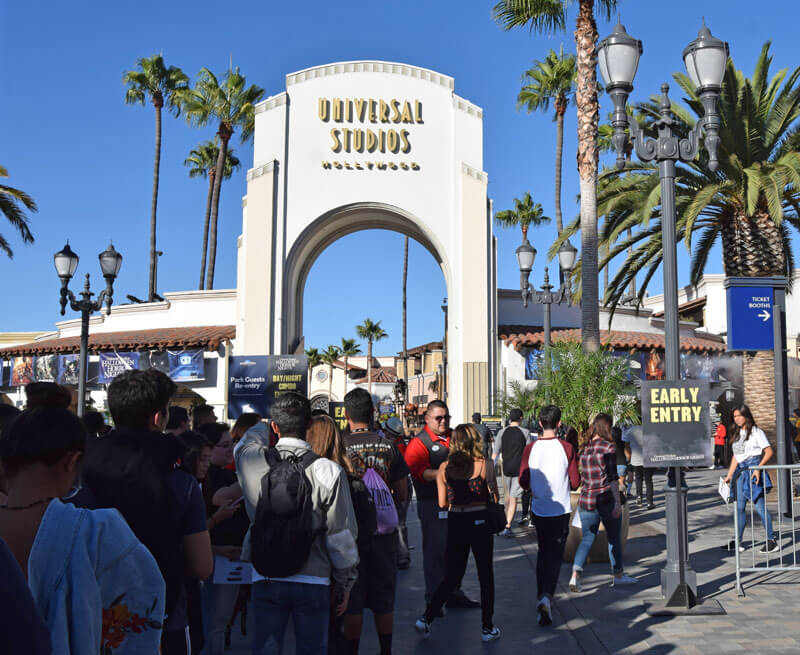 Halloween Horror Nights Hollywood Early Entry 2018