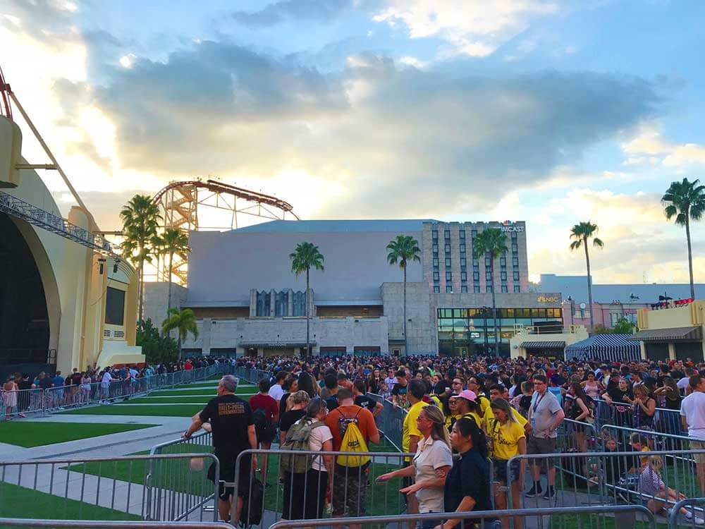 Halloween Horror Nights Orlando - Stranger Things Line