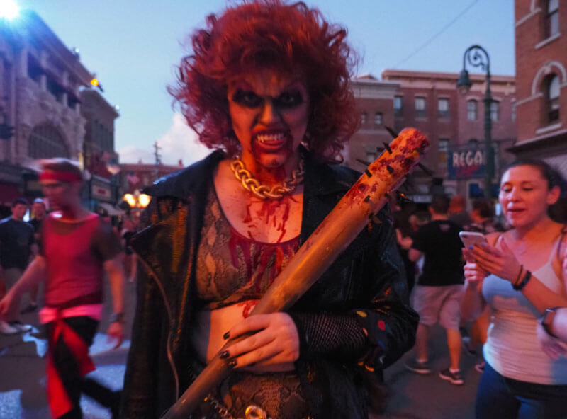 Halloween Horror Nights 28 - Vamps