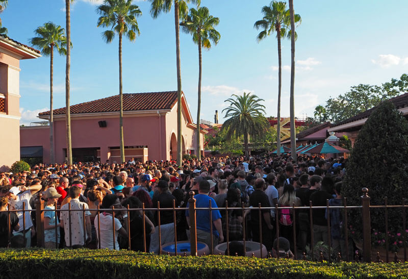 Halloween Horror Nights Orlando - Entry Line