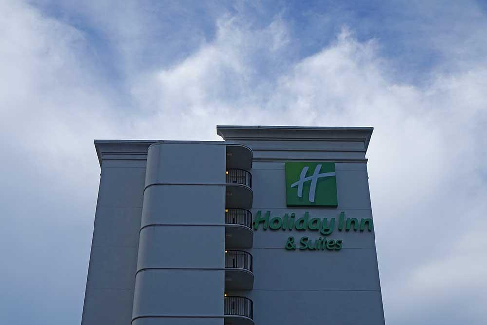 Hotels Near Universal - Holiday Inn