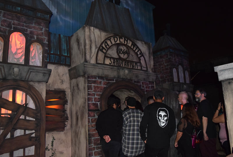 Knott's Scary Farm 2019 - Paranormal Inc