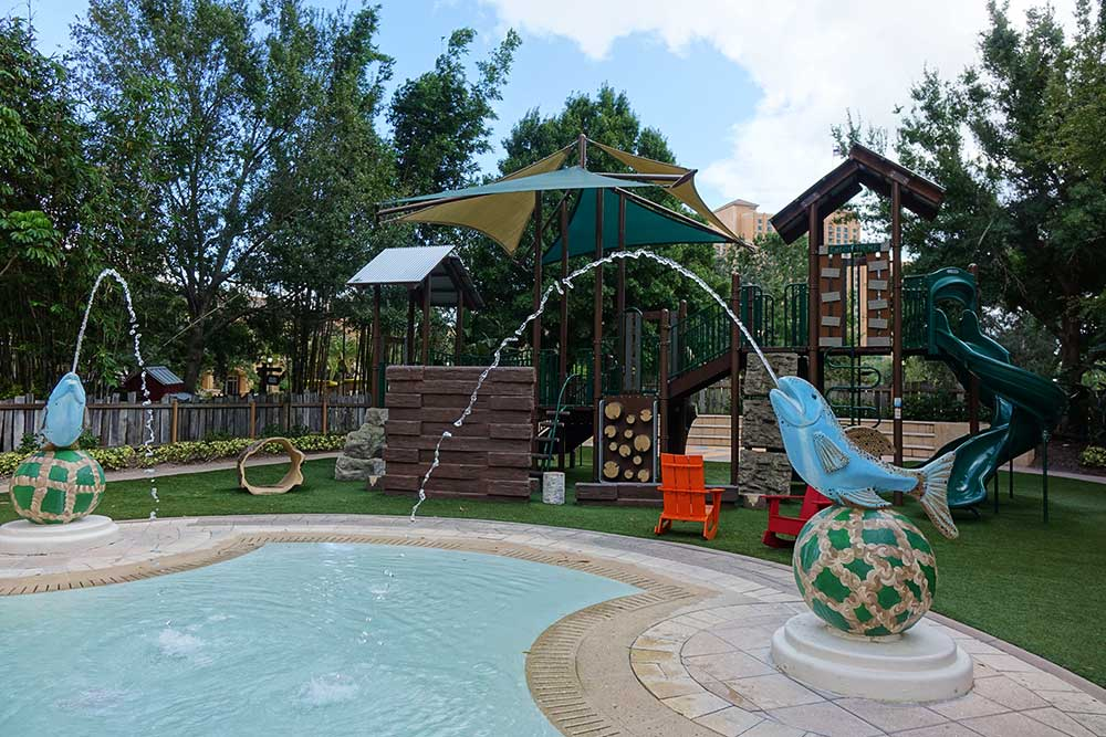 Hotels Near Universal - Ritz Carlton Splash Area