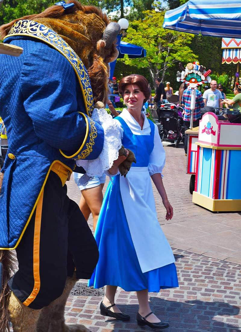 Our Royally Good Guide to Meeting Princesses at Disneyland - Belle