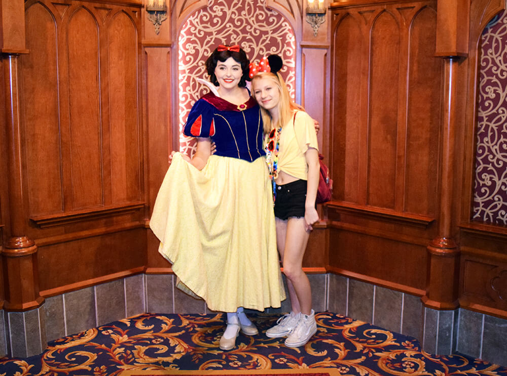 Tips for Meeting Princesses at Disneyland - Snow White