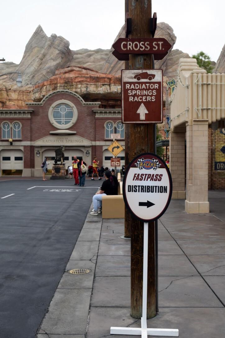 Disneyland Magic Morning - FASTPASS Distribution