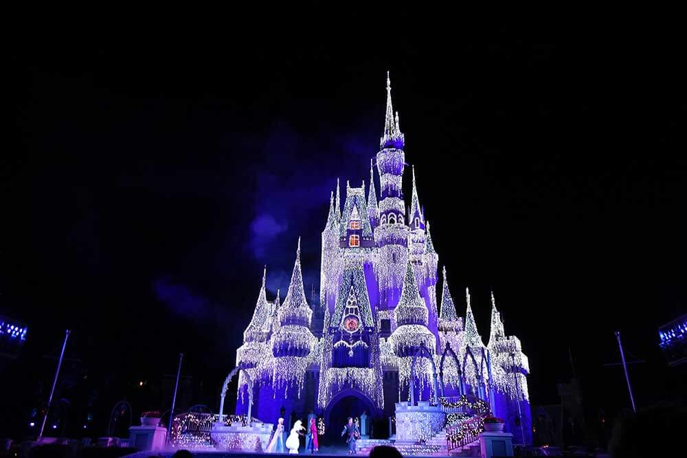 Mickey's Very Merry Christmas Party 2019 - A Frozen Holiday Wish