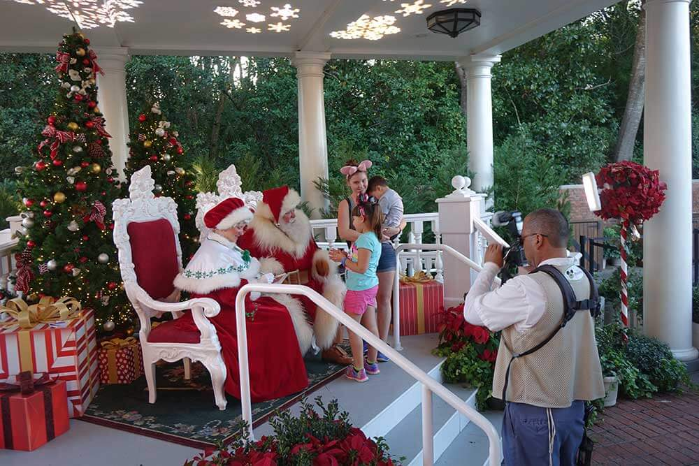 Epcot Festival International des Fêtes - Le Père Noël et Mme Claus