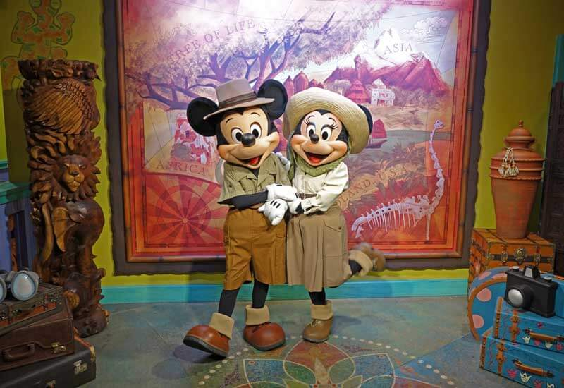 Mickey Minnie Automated Camera at Adventurer's Outpost