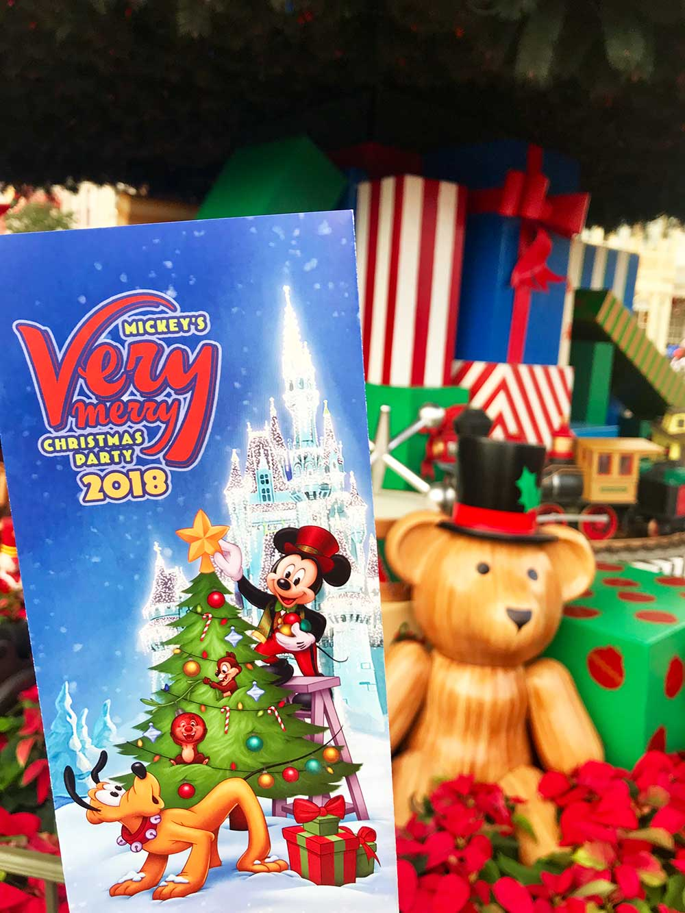 Mickey's Very Merry Christmas Party 2019 - Brochure