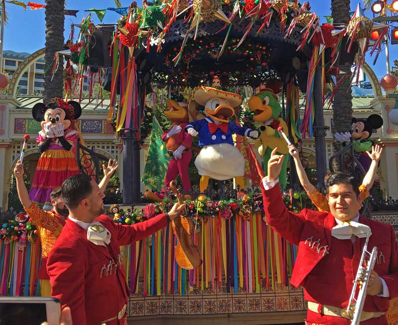 Holidays at Disneyland 2018 - Disney California Adventure Festival of Holidays - Tres Caballeros