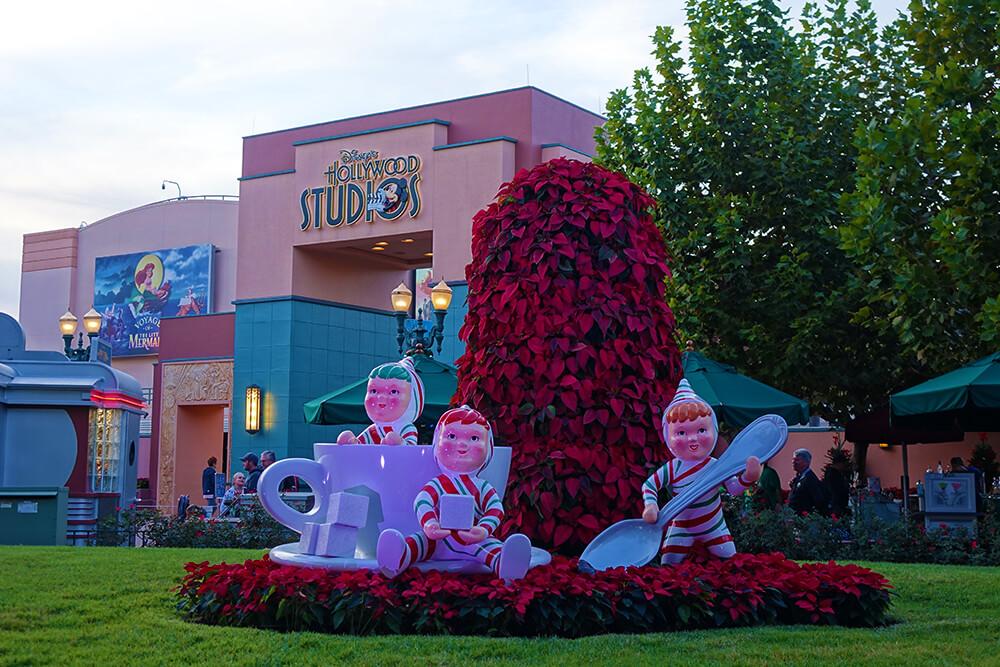 Hollywood Studios Flurry of Fun - Holiday Decor