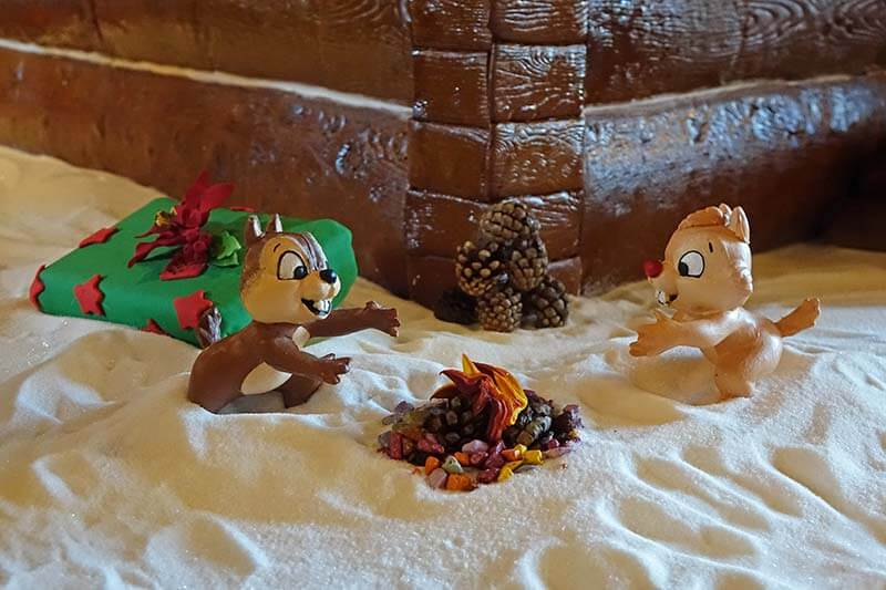 Disney World Resort Christmas Decorations - Chip 'n' Dale