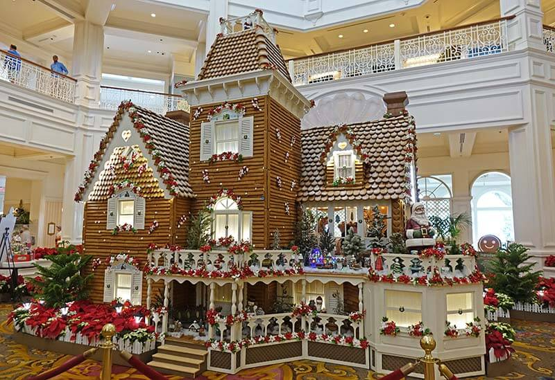 When Does Disney Decorate For Christmas 2020 Peek Inside the Most Splendidly Decorated Disney Hotels at Christmas