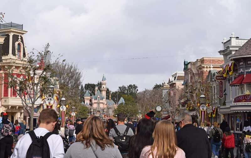 Best Time to Visit Disneyland in 2019 and 2020 - Main Street USA