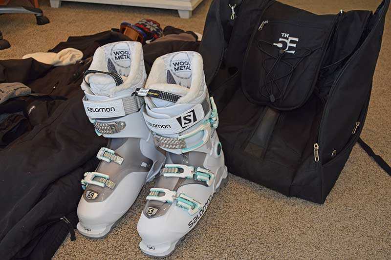 How to Pack for a Ski Trip - Packing Method