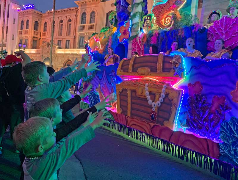 8 Tips for a Kickin' Cajun Time at Universal Mardi Gras