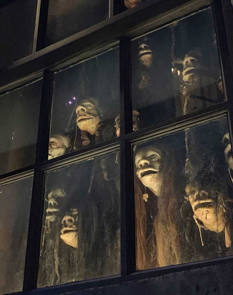 Shrunken Heads in Knockturn Alley - Universal Studios Florida Hidden Gem